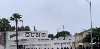 U.S people are lining up to buy guns because of Coronavirus