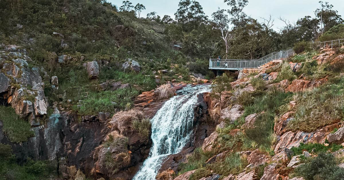 Perth best waterfalls hikes